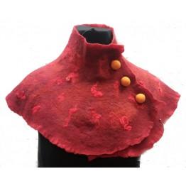 Handtovad sjal, röd med ullknappar