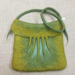 Handtovad väska, ljusgrön med axelrem