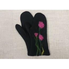 Handtovade vantar, svarta med rosa blommor, stl 7
